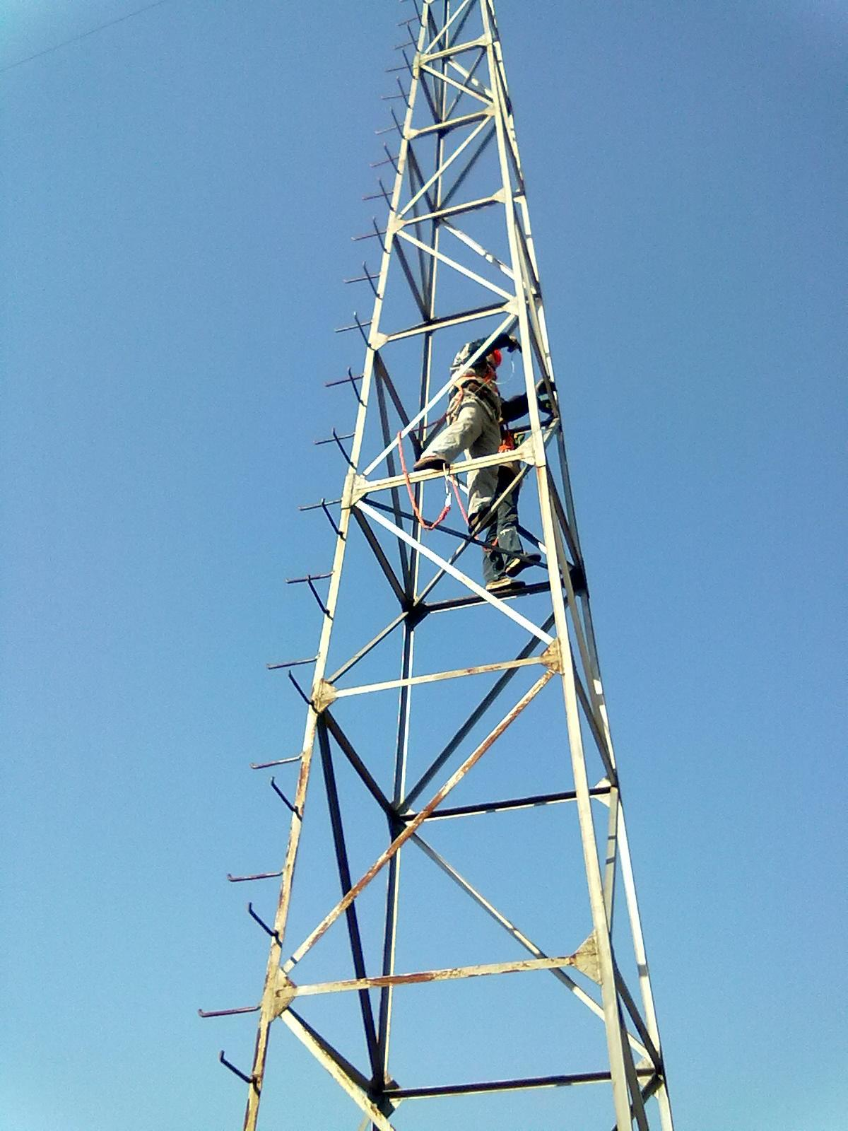 宜州铁塔防腐公司【欢迎您】 电视塔除锈刷油漆 铁塔拆除施工 通讯塔