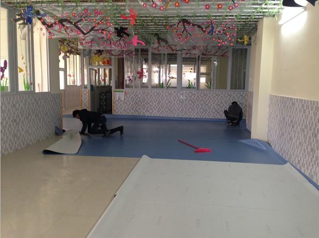 室内游乐园pvc安全地垫施工流程,幼儿园橡胶地垫尺寸大小