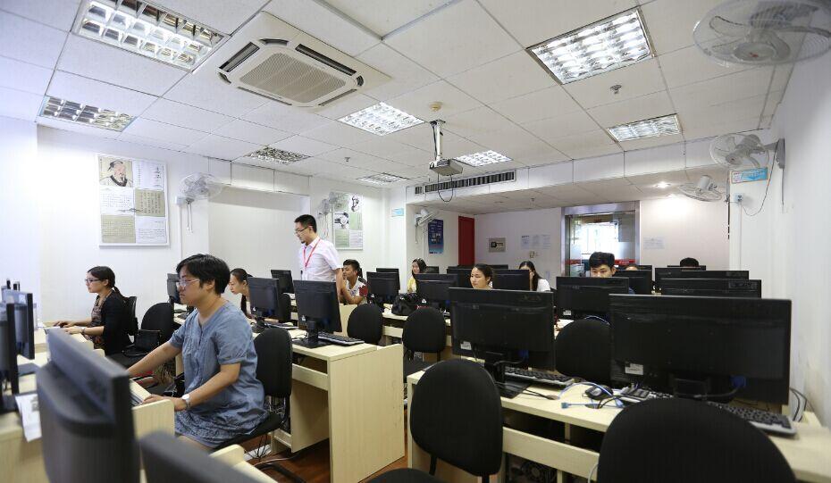 上海学模具设计好,签约高薪设计_文化就业安阳五金标志图片