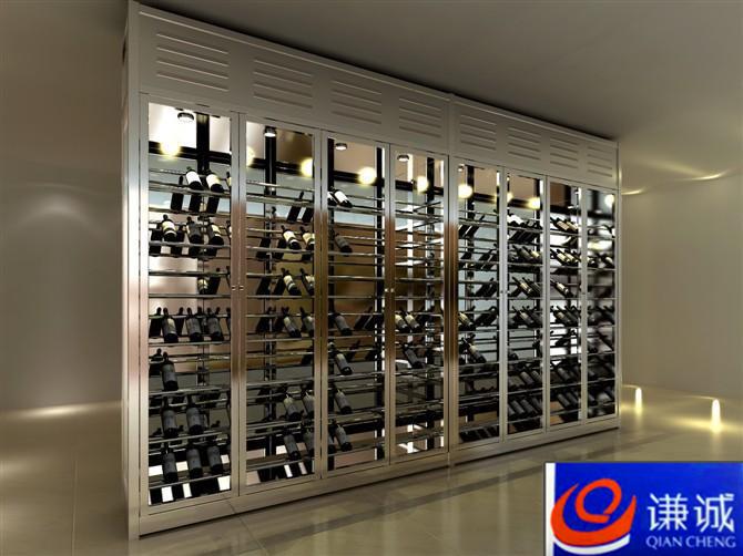 不锈钢酒柜、酒架制作工艺及颜色 谦诚五金品牌酒柜不锈钢酒架,在同行业中都享有较高的声誉,不锈钢恒温酒柜具有较高的技术和工艺,大多数的不锈钢制品厂和公司目前都达不到制作一个标准合格的不锈钢恒温酒柜及不锈钢酒架,特别是既要镀色又要有恒温效果的,所有的不锈钢红酒架及不锈钢酒柜系列产品都是制作完善以后进行电镀,原因是如果在电镀前放入酒柜恒温材料就会在高温的镀色炉里面消耗掉。