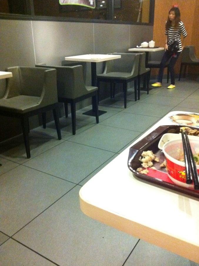 供应真功夫中式快餐店餐桌椅 真功夫复古装修餐桌椅风格