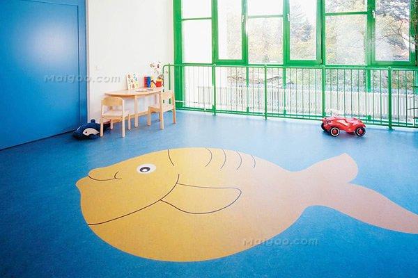 幼儿园塑胶卡通地胶,pvc单色地板