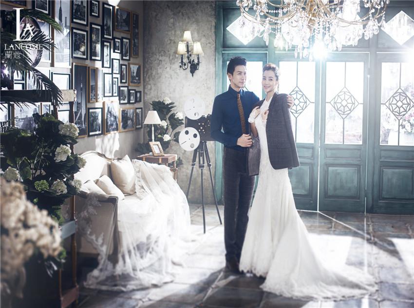 杭州拍婚纱多少钱_婚纱摄影