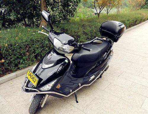 豪爵铃木海王星踏板摩托车质量怎么样图片
