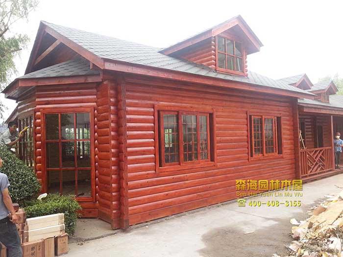 内江东兴区木屋别墅建造公司 防腐木结构房屋住宅价格 园林木屋