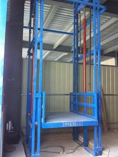 耿马傣族佤族升降货梯(2)液压电梯特殊顶层最低3.3米,其余楼层最低2.图片