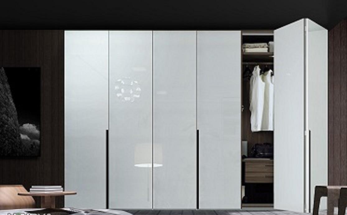 板材开门:高度<2000mm,宽度<450mm。由于板材存在变形,为保证使用方便,单扇开门必须在这个尺寸范围。 玻璃开门:高度在2400左右,宽度<450mm左右,适合铰链承受的范围。 晟葆(上海)家具有限公司正式成立于2005年10月9日,是一家定位于成为国际顶级品质的移门、柜体制造商。