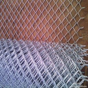 菱形铁丝网编织及特点:钩编而成,网孔均匀,网面平整,美观大方网幅宽