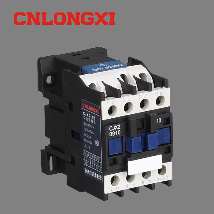 CJX2-1210交流接触器工作原理和接线图 CJX2接触器工作原理 CJX2接触器接线图 一 CJX2系列交流接触器(以下简称接触器)适用于交流50Hz或60Hz,电压至690V、电流至95A的电路中,供远距离接通与分断电路及频繁起动、控制交流电动机,还可加装积木式辅助触头组、空气延时头、机械联锁机构等附件,组成延时接触器、可逆接触器、星三角起动器,并且可以和热继电器直接插接安装组成电起动器。 产品符合GB14048.