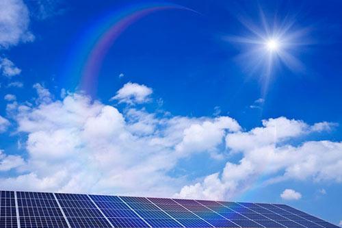 在众多清洁能源利用方式中,我国光伏发电的发展速度成为能源革命的