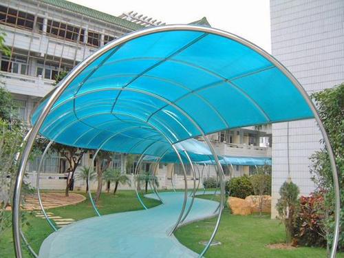 谢岗钢结构雨棚_供应优质钢结构雨棚