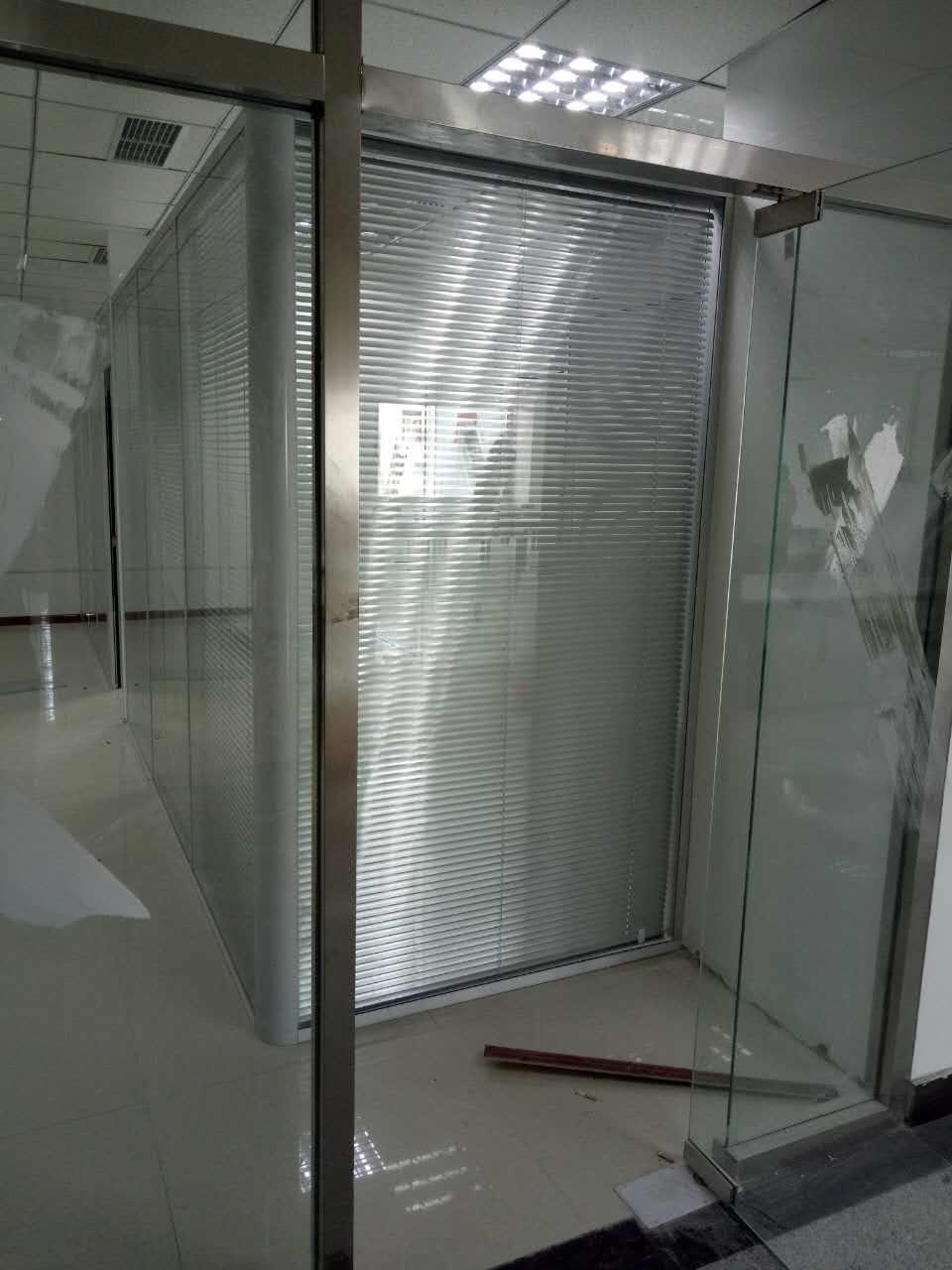 开发区办公室玻璃隔断|玻璃门厂家定制安装