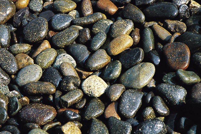 永州市新田县鹅卵石河卵石水冲石驳岸石河滩石产地直销