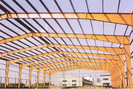 金属轻钢结构屋面工业厂房内外都太热,有什么材料可以让厂房内和铁皮