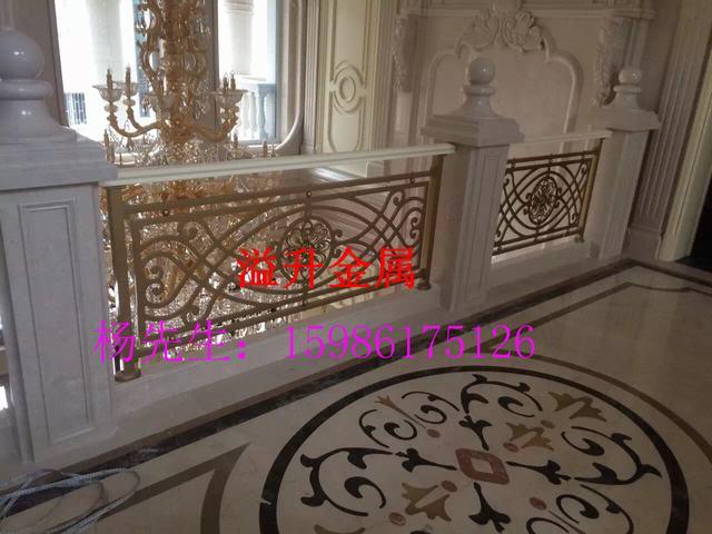 经典旋转欧式风铝板镂空雕花楼梯护栏