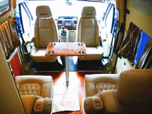 国产最小房车内部图片