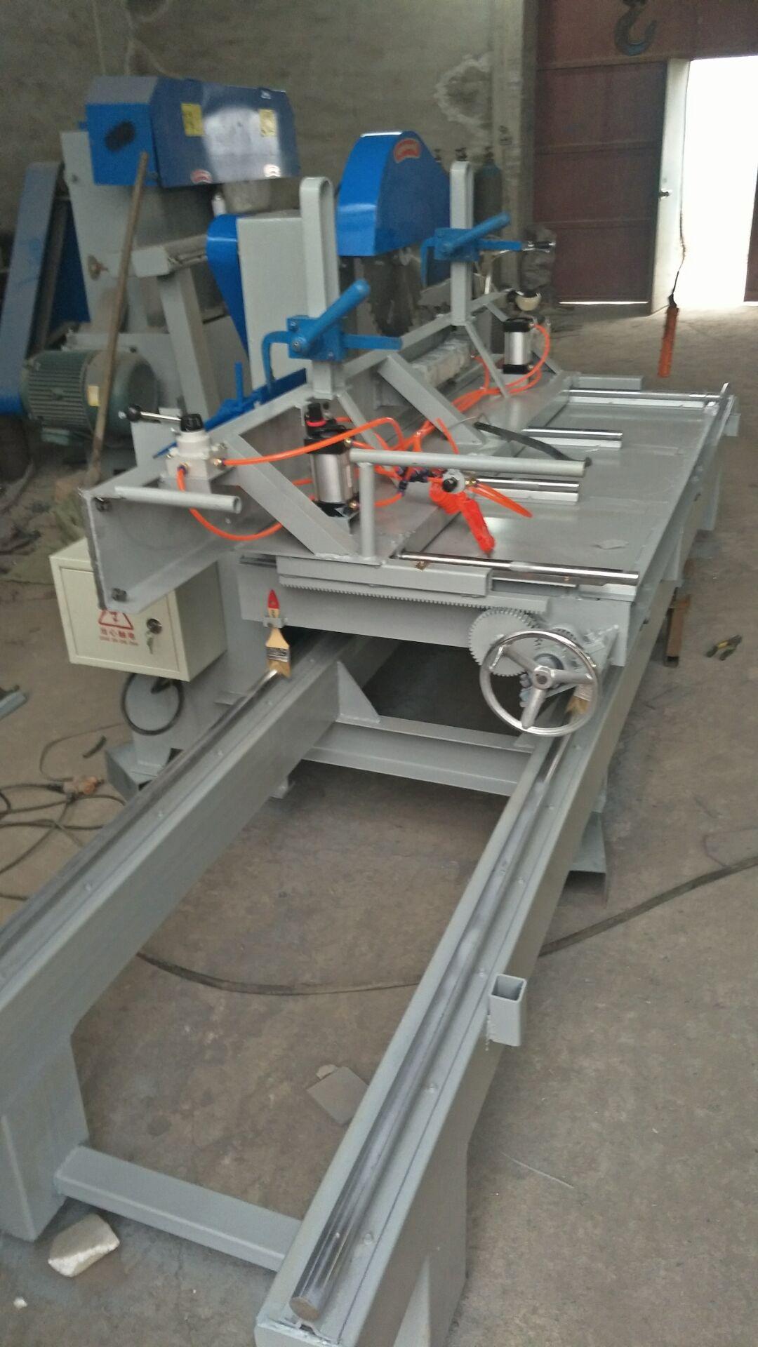 精密导轨原木木工推台锯|运新机械全自动圆