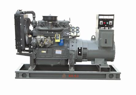 濰柴采用旋轉式柴油、機油濾清器、幹式空氣濾清器