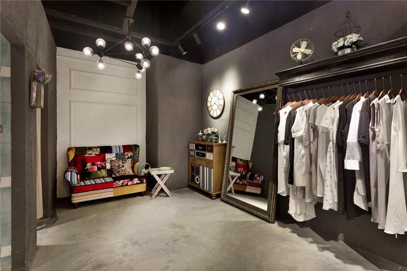 产品型号:loft女装店设计装修 品 牌:合肥枫雅装饰 发布日期:2018/1/9