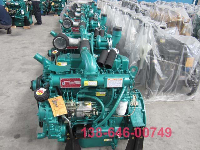 柴油发电机组的基本操作在柴油机汽缸内,经过空气滤清器过滤后的洁净