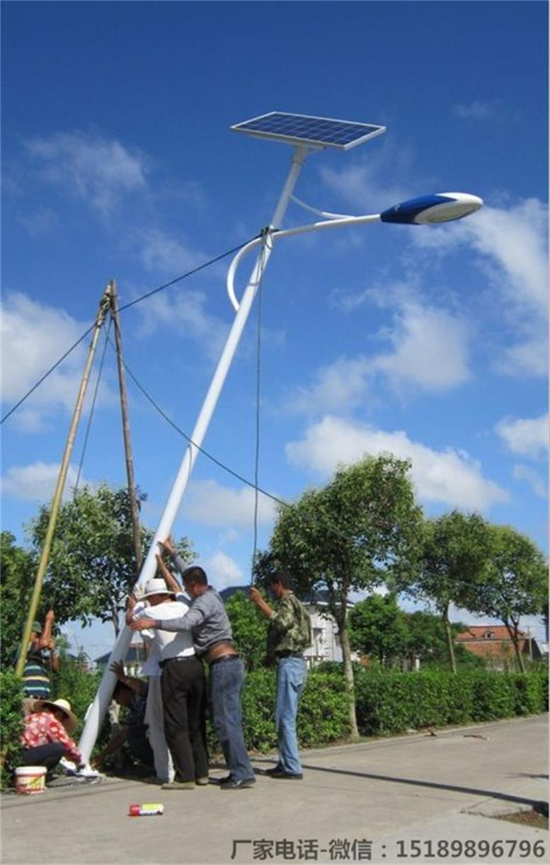伊犁地区10米100w太阳能路灯