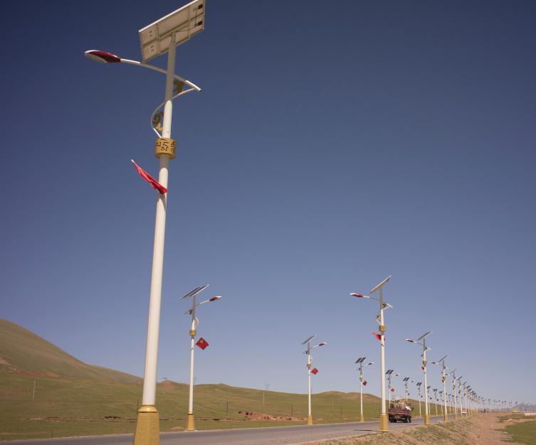 哈密地区S400灯杆八角杆监控杆