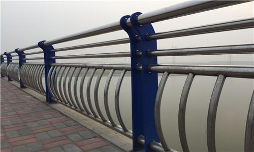 东莞钢管护栏规格齐全-华坤金属