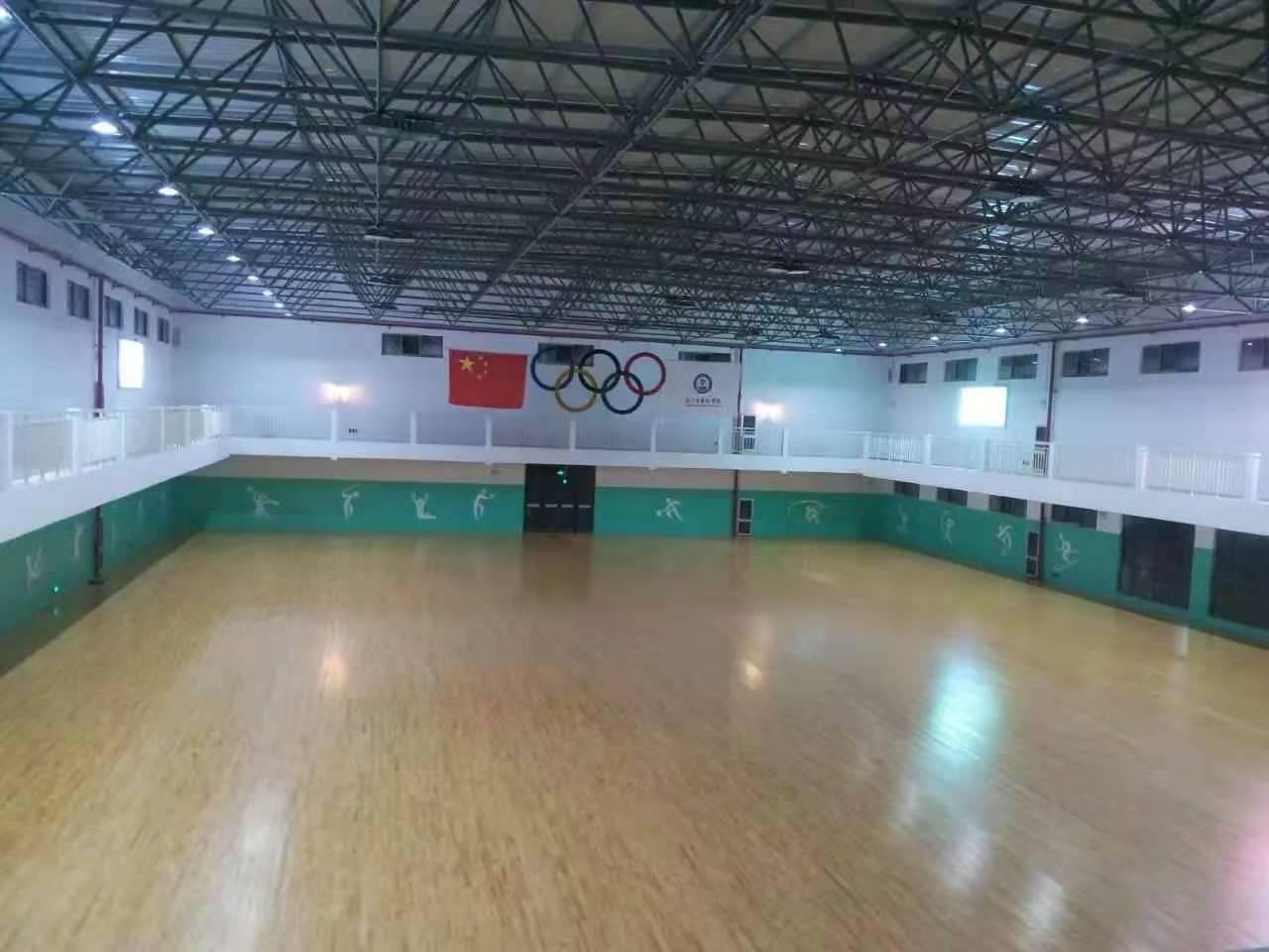 海南区学校体育馆实木运动地板维修