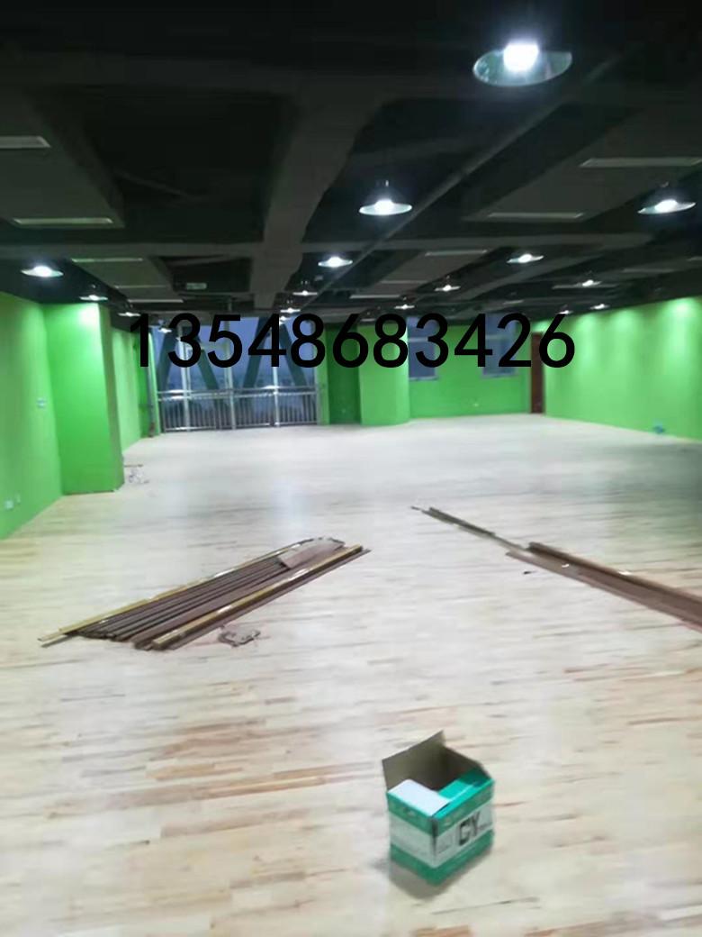 白沙縣昌室內運動場實木籃球地板維修
