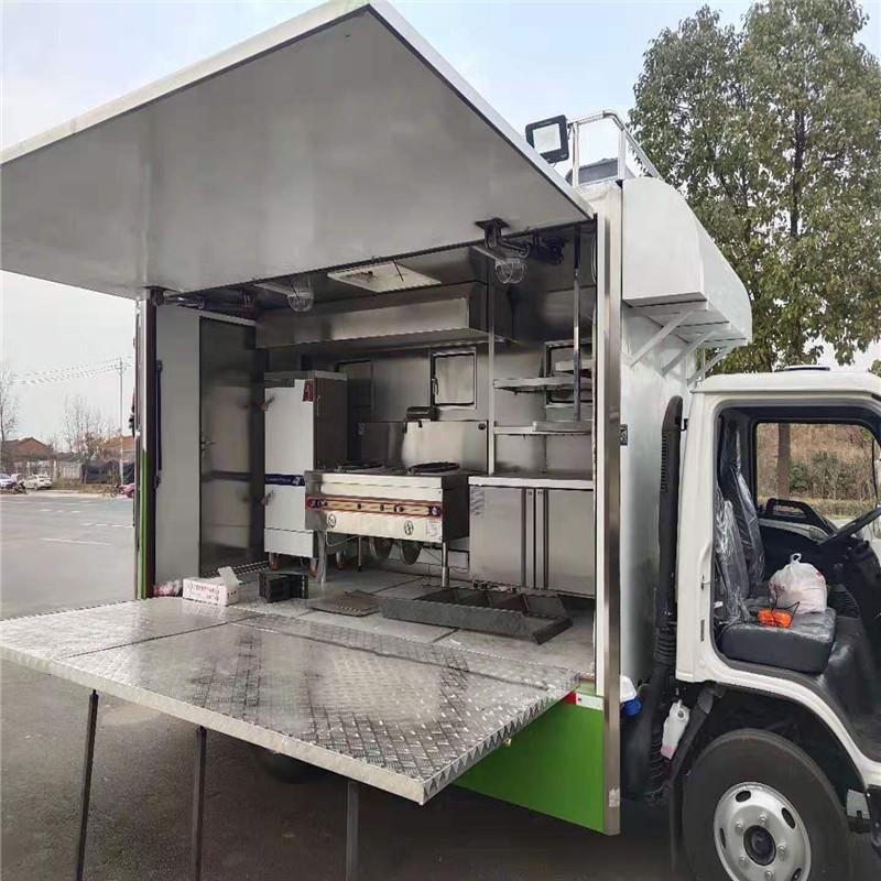 东风多利卡大型流动厨房餐车冷饮车厂家报价