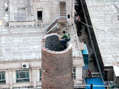 石嘴山市廢棄煙囪定向拆除歡迎訪問