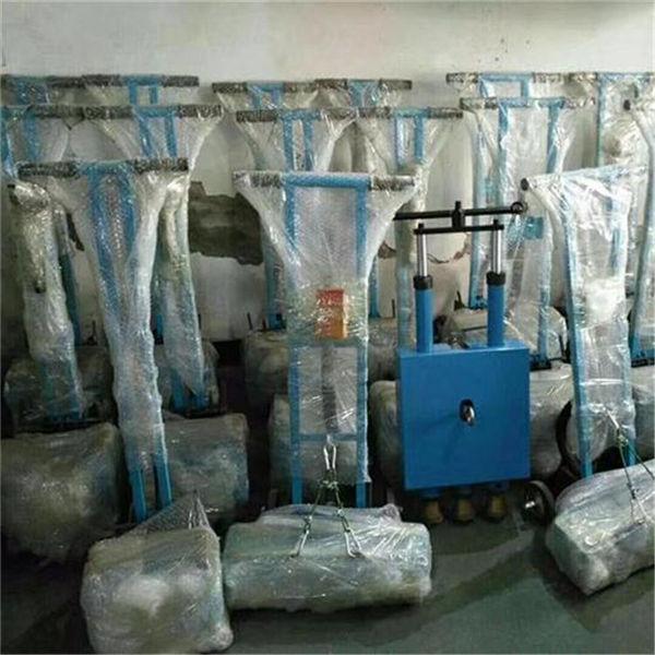 資訊:廣東惠州混凝土地面氣動11頭鑿毛機