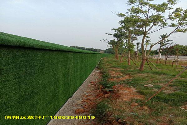 西安廠家批發人工草皮圍擋顏色鮮綠自然每平米價格