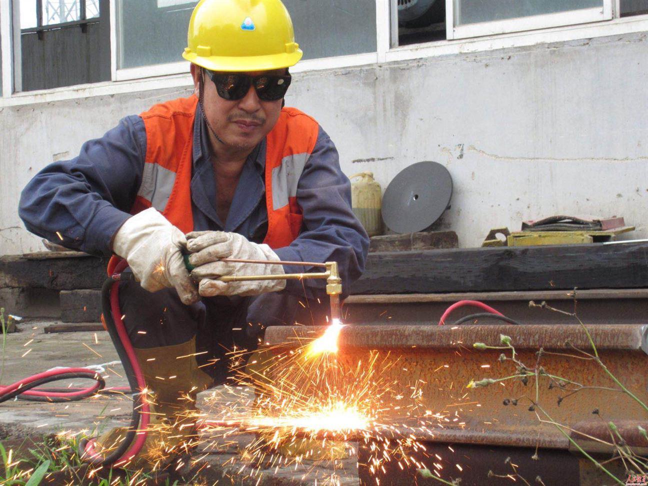 南湖培训焊工报名多少钱