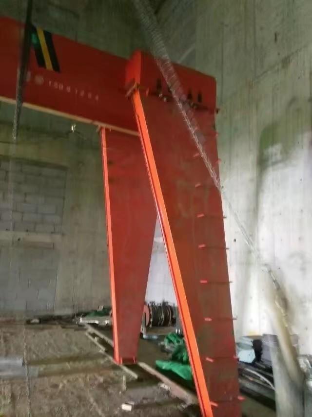 城月鎮5噸22.5米QB型包廂龍門吊附近